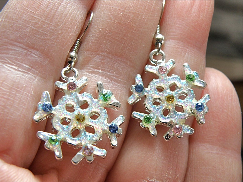 60/% OFF SALE Pastel Crystal Sparkly Snowflake Charm Earrings -