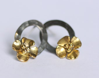 Buttercup hoop earrings with gold plated flower