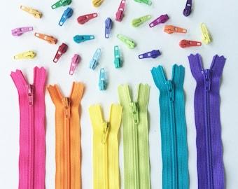 Joan Hawley Zipper/Pulls/Key Fob Kit - 6pcs 22 Inch YKK Zippers, 25 Pulls and 4 Key Fob Hardware Sets