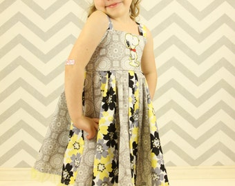 custom boutique dress made with snoopy patch  size 2-6
