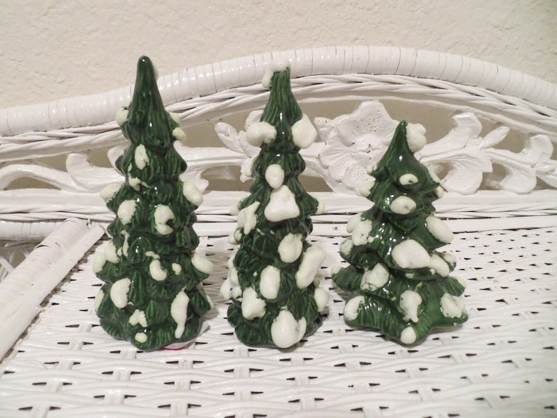 Vintage Ceramic Small Miniature Christmas Trees Snowy Snow Covered Table Decoration Display Set D