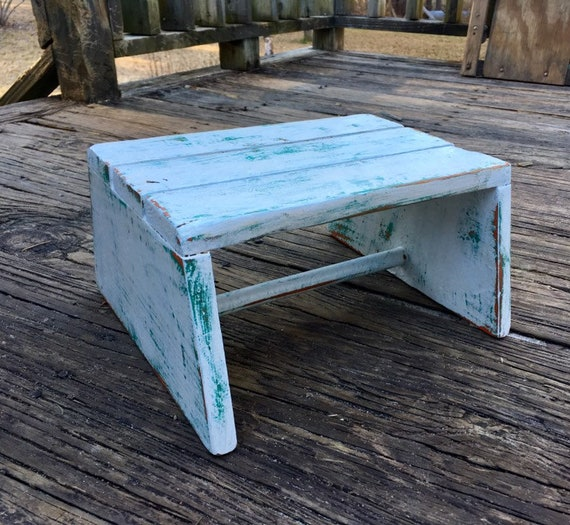 Awesome Wooden Slat Step Stool Small Bench Distressed White Farmhouse Stool Cottage Chic Kitchen Foot Stool Timeout Bench Display Shelf Riser Machost Co Dining Chair Design Ideas Machostcouk
