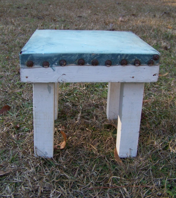 Superb Vintage Square Wood Footstool Step Stool White Chippy Foot Rest Chunky Sturdy Display Shelf Plant Stand Farmhouse Country Kitchen Stool Squirreltailoven Fun Painted Chair Ideas Images Squirreltailovenorg
