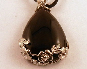 black onyx Rose tear drop Necklace: Natural Crystal Pendant, Stone Jewelry