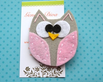 BiG EyEd OwL....Gray and Light Pink