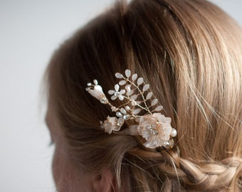 Wedding wire hair vine comb, Gold pearl hair comb, Wire wedding hair comb, ivory poppy flower with leaves, crystal rhinestone floral vine