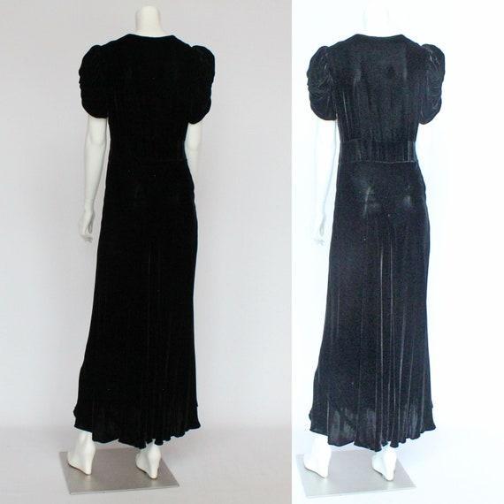 30's Black Velvet Gown / Flared Skirt / Draped Sl… - image 4