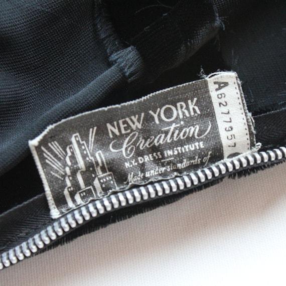30's Black Velvet Gown / Flared Skirt / Draped Sl… - image 10