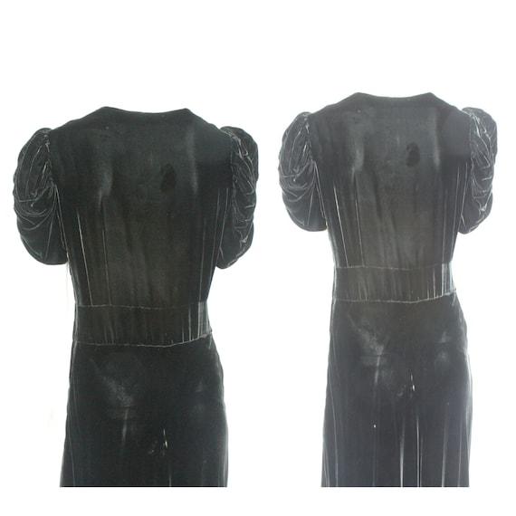 30's Black Velvet Gown / Flared Skirt / Draped Sl… - image 5