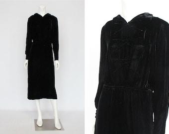 30's Black Velvet Dress / Midi Length Vintage Dress with Long Sleeves / Silk Velvet Dress / Small