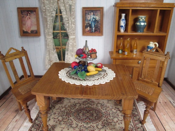 Antico Schneegas Dollhouse mobili - sedie per tavolo da pranzo in rovere  dorato due - 1\