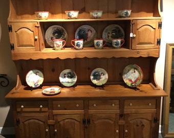 Large Country Pine Hutch