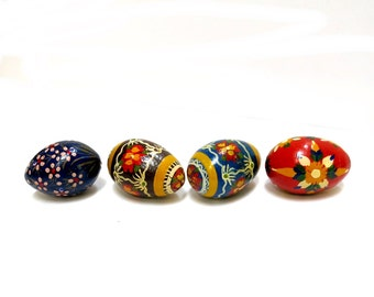 Hand Painted Wooden Eggs Folk Art Vintage Home Decor Set of 4