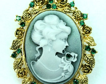 Victorian Style Lady Cameo Rhinestone Decorative Antique Gold Frame Pendant
