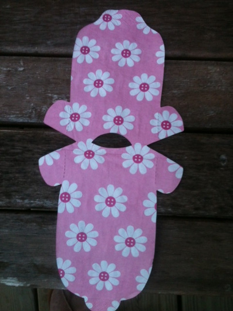 In shades of pink with button daisies. Its a Girl Any quantity baby shower /'shirt/' paper napkins or decoration