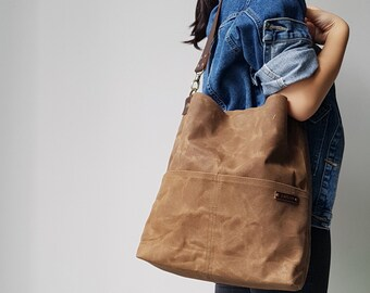 Personalized Waxed Canvas Zipper Shoulder Bag with Leather Strap in Brown, Minimalist Bag, Personalized Gift, Leather Strap Tote