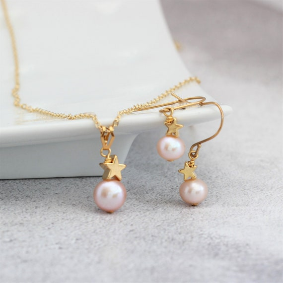 Pearl earrings Pearl necklace Pearl necklace and earrings Gift Dainty jewellery set 18k gold vermeil jewellery set Gemstone jewellery