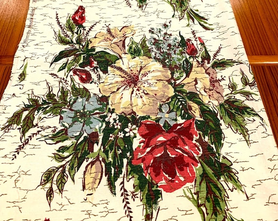 Superb 40s Floral Barkcloth Fabric with Cottage Chic Rose Bouquets for Upholstery and Home Decor/7 Panels