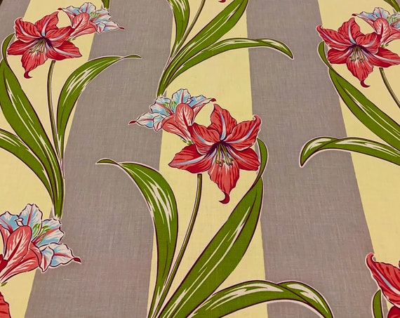 Stunning Lillies Vintage 1940s Fabric/ Cotton Yardage for Drapery, Apparel and Home Decor/ BTY 4 Yards
