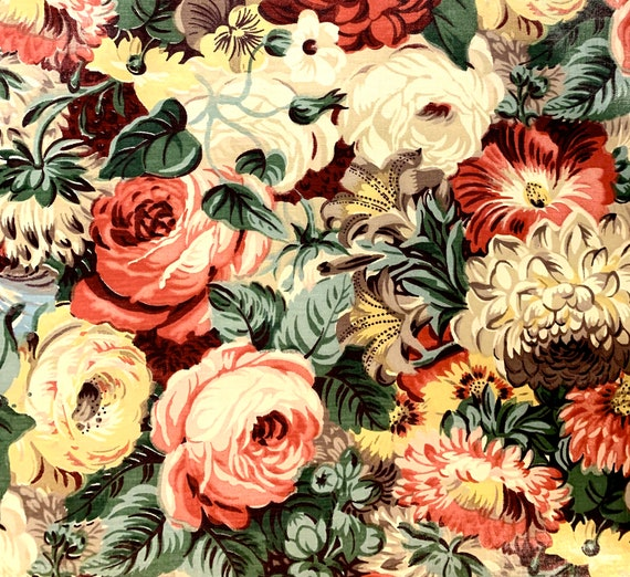 Adorable 40s Summer Blooms Chintz Fabric// Cotton Yardage for Home Decor and Apparel/ BTY 4 Yards Available