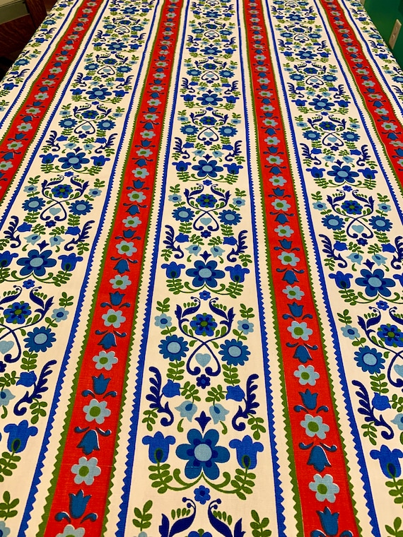 Adorable 60s Broadcloth Fabric/ Scandinavian Folk Art/ Cotton Yardage for Upholstery and Home Decor/ 15 Yards Available
