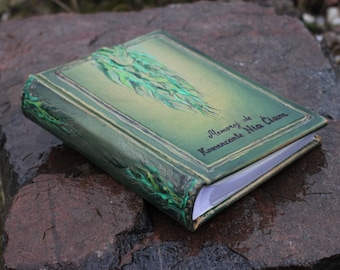 Leather photo album 10 x 7 1/2  with embossed green leaves for 200 photos