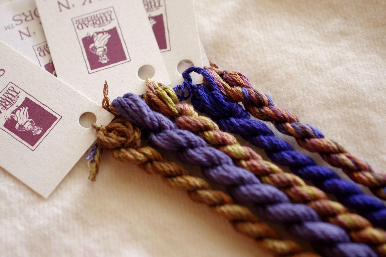 Broderie Sampler, teint à la main teint Sampler, de soie, fil de soie, soie N couleurs, vieilli violettes couleur défini par le ThreadGatherer 02bf4a