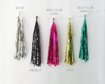 Additional Metallic Tassels, 4 pack