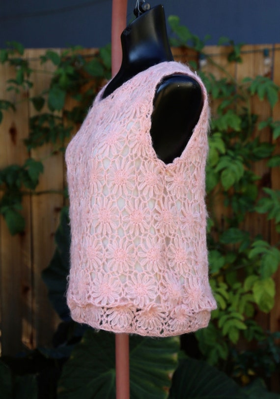 Vtg 60s Daisy Chain Sweater Vest / Pullover Top T… - image 5