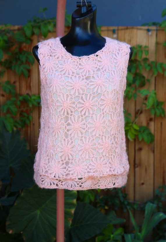 Vtg 60s Daisy Chain Sweater Vest / Pullover Top T… - image 2