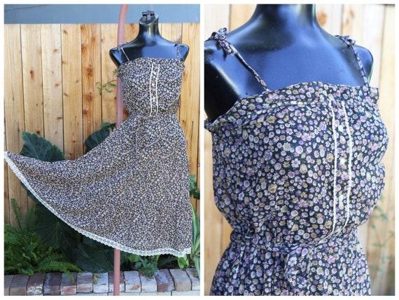 Vtg 60s 70s Sundress  / Prairie Fabric Floral Cali