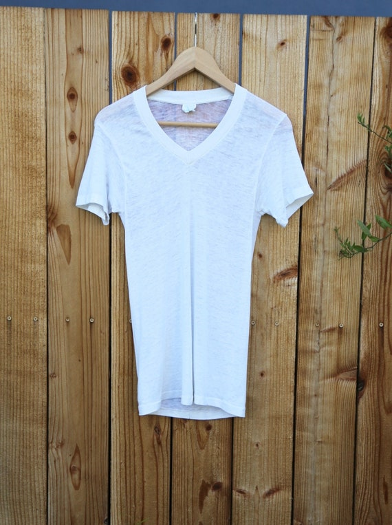 Vtg 70s Paper Thin Cotton V Neck Shirt / Blank Wh… - image 2