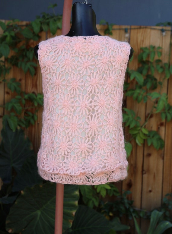 Vtg 60s Daisy Chain Sweater Vest / Pullover Top T… - image 6