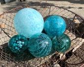 "Turquoise & Aqua Blown Glass Floats, Set of Five 2.75""-4.5"" Decorative Spheres Nautical Blue Outdoor Garden Art Pond Balls Avalon Glassworks"