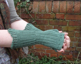 Russell Square Mitts PDF Knitting pattern