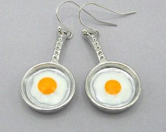 Frying pan earrings, loves to cook earrings, frying pan charm earrings, sunny side up egg earrings, miniature frying pan earrings, fried egg