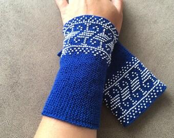 Blue woolen beaded arm warmers