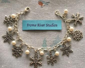 Winter Theme Charm Bracelet, Snowflake Charm Bracelet, Charm Bracelet, Winter Jewelry, Snowflake Jewelry, Gift for Women, Let It Snow, w4