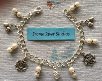 Winter Theme Charm Bracelet, Winter Charm Bracelet, Charm Bracelet, Winter Jewelry, Winter Theme Charms, Gift for Women, Let It Snow, w5