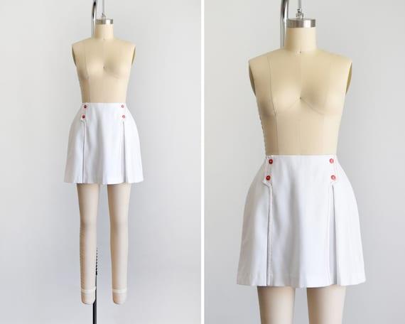 Vintage 70s White & Red Skort, 1970s White Shorts,