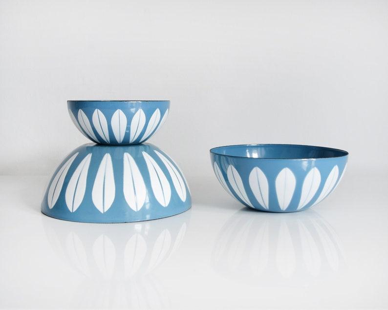 Vintage Cathrineholm Lotus Bowls Set of 3 Blue  White Mid image 0