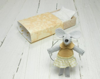 Stuffed animal felted miniature mouse matchbox doll felt mouse in a matchbox kids  gift stocking stuffer plush mouse doll in matchbox beige