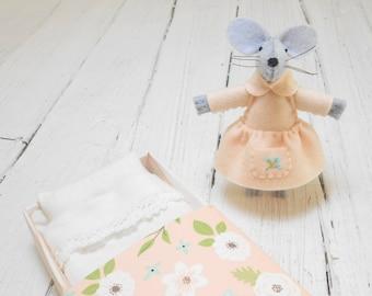 Mothers day Stuffed felt mouse miniature mice mouse in a matchbox matchbox doll christmas stocking stuffers apricot boho stuffed animal