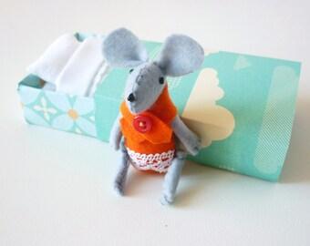 Felt mouse plush match box aqua orange