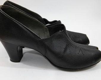 Vintage 1940's NOS Womens Size 7 Black Perforated Kid Peep Toe Pumps