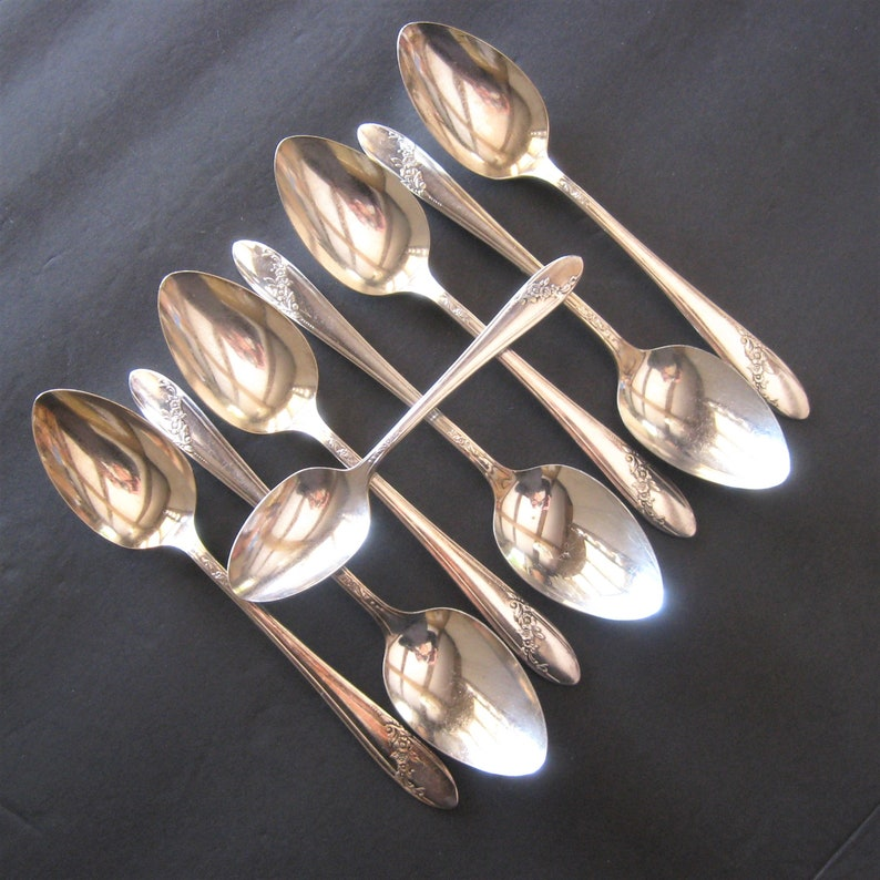 SET OF SIX Oneida Silverplate FLORAL QUEEN Teaspoons