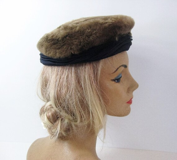40s 50s Pillbox Hat Brown Fur Navy Blue Pleated Rayon Crepe  5ed17426ded