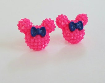 Sparkle Mouse with Bow Earrings in Hot Pink