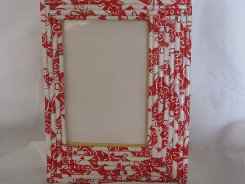 birthday gift hostess gift mothers day home decor Picture frame teachers gift red and white paper rolls picture frame