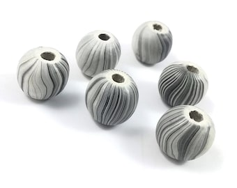 Stripped Beads Natural Wood 17mm round 6pcs